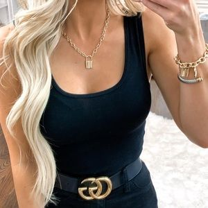 Jewelry - Gold lock pendant necklace